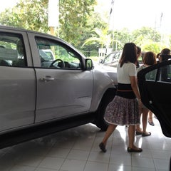 Photo taken at Chevrolet (เชฟโรเลต) by ChoColate C. on 9/19/2012