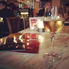 Photo taken at Peak Café & Bar 山頂餐廳酒吧 by murolovebeer on 4/20/2013