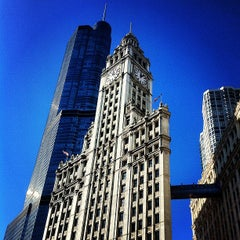 Photo taken at Wrigley Building by Smooremin on 11/12/2012