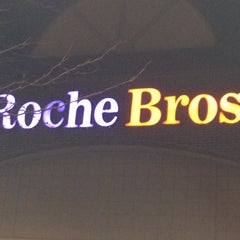 Photo taken at Roche Brothers by Heidi D. on 11/10/2012