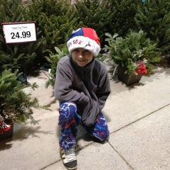 Photo taken at Roche Brothers by Heidi D. on 11/30/2012