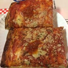 Photo taken at Garden Pizza by Eyleen O. on 3/6/2015