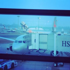 Photo taken at Gate C19 by Yorihiko Paul K. on 3/11/2014