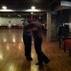 Photo taken at 엘땅고 (el Tango) by Kat 고양희 B. on 10/22/2012