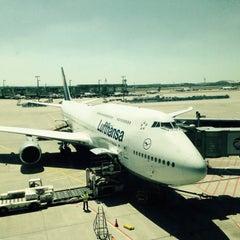 Photo taken at Lufthansa Flight LH 418 by Chris W. on 6/17/2015