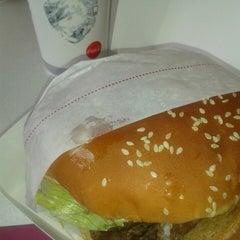 Photo taken at Burger King® by Juan V. on 10/20/2013