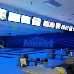 Photo taken at Brunswick Cal Oaks Bowl by Charita A. on 7/5/2014