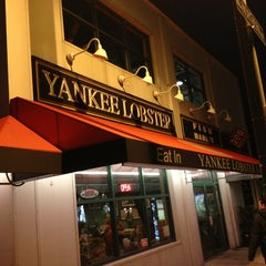 Photo taken at Yankee Lobster by Art R. on 3/15/2013