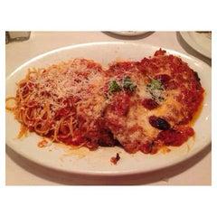 Photo taken at Romano's Macaroni Grill by Linda L. on 8/29/2014