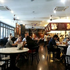 Photo taken at OldTown White Coffee by Sharon Tan on 6/6/2013