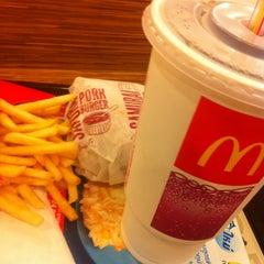 Photo taken at McDonald's & McCafé by Oaktree S. on 5/17/2013
