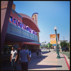 Photo taken at Century Theatres 16 Downtown Pleasant Hill and XD by Lihe W. on 5/5/2013
