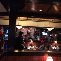 Photo taken at LongHorn Steakhouse by Dee T. on 12/23/2014