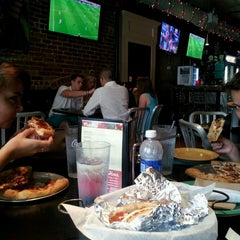 Photo taken at Mellow Mushroom by Willie G. on 7/14/2013