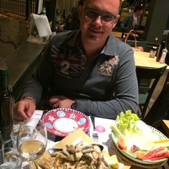 Photo taken at Kalamaro Fritto d'Osteria by Manuela T. on 7/12/2015