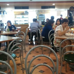 Photo taken at Foodcourt Golden Truly by Mahendra Y. on 5/18/2015