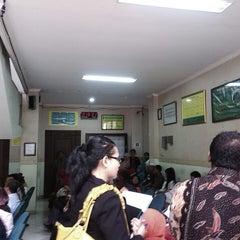 Photo taken at Pengadilan Agama Jakarta Timur by razi m. on 6/3/2013