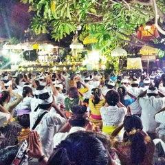 Photo taken at Pura Luhur Candi Narmada Tanah Kilap by Chandra S. on 5/13/2014