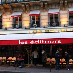 Photo taken at Les Éditeurs by Damien M. on 12/9/2012