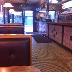 Photo taken at Jim's Burgers by Patricia G. on 8/14/2013