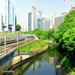 Photo taken at 御茶ノ水駅 (Ochanomizu Sta.) by yanashu on 4/23/2013
