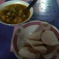 Photo taken at Kikil Sapi Waru Jaya by ardhie w. on 9/22/2012