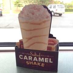 Photo taken at Arby's by Tina C. on 9/8/2013