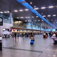 Photo taken at Aeropuerto Internacional El Dorado (BOG) by Victor L. on 7/25/2013