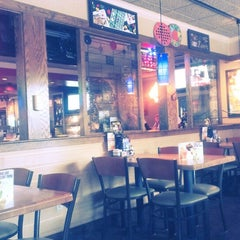 Photo taken at Applebee's by Justin E. on 8/7/2013