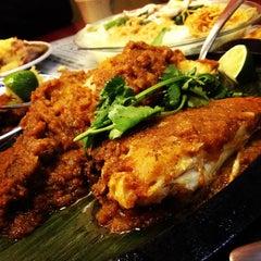 Photo taken at Taste Good Malaysian Cuisine 好味 by Elaine L. on 3/17/2013
