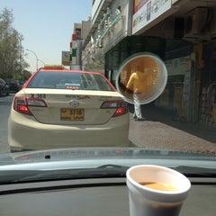Photo taken at Karachi Darbar كراتشي دربار by Hussain A. on 9/3/2014