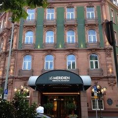 Das Foto wurde bei Le Méridien Parkhotel Frankfurt von Amy ✈. am 8/19/2013 aufgenommen