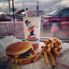 Photo taken at Blake's Lotaburger by Daniel C. on 4/13/2014
