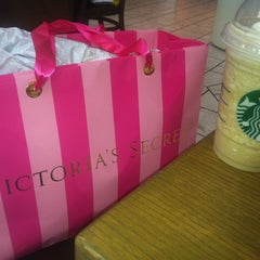 Photo taken at Starbucks by Oksana P. on 5/21/2013