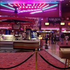 Photo taken at Edwards Fresno 22 & IMAX by Ahide C. on 1/12/2013