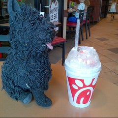 Photo taken at Chick-fil-A by Rich H. on 8/10/2013