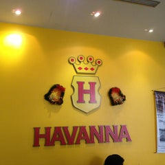 Photo taken at Havanna Café by Braulio M. on 12/23/2012