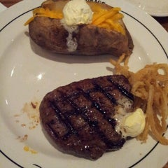 Photo taken at Saltgrass Steakhouse by Taylor L. on 9/28/2012