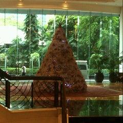 Photo taken at Plaza Athénée Bangkok, A Royal Méridien Hotel by Panthep L. on 12/8/2012
