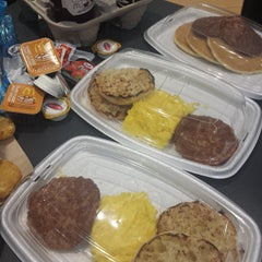 Photo taken at McDonald's by Aldrich B. on 3/16/2015