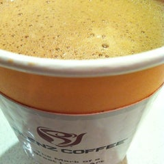 Photo taken at Blenz Coffee by Aldrich B. on 2/4/2014