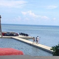 Photo taken at Le Méridien Koh Samui Resort & Spa @ Pool Bar by Муля on 9/3/2013