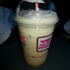 Photo taken at Dunkin' Donuts by M.O.S.💑 on 6/9/2013