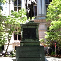 Photo taken at Benjamin Franklin Statue by Gee on 6/15/2014