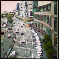 Photo taken at Glorietta by Jez V. on 3/3/2013