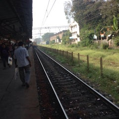 Photo taken at Matunga Railway Station by Amit S. on 11/26/2013