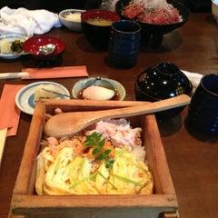 Photo taken at うなぎと和食 いとう by Tsuyoshi I. on 4/1/2013