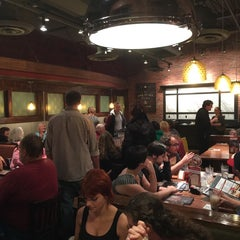Photo taken at Uno Pizzeria & Grill - Tilton by Jack F. on 10/19/2014