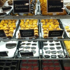 Photo taken at TooJay's Gourmet Deli by Justin C. on 10/27/2012