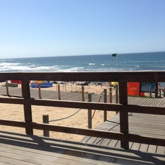 Photo taken at Off Shore by Eusébio S. on 9/8/2013